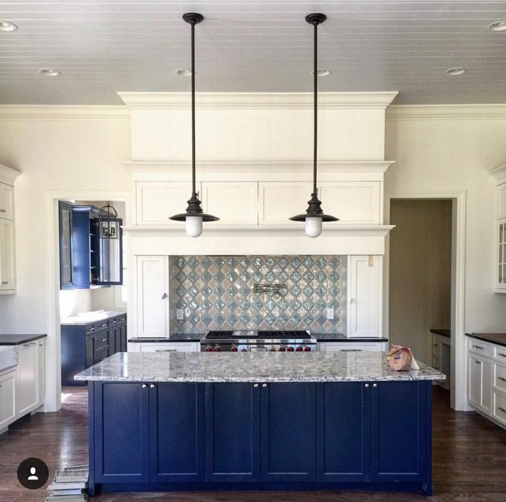 Kitchen Island Accent Color: 9 Best Our Favorite Hatcliff Kitchens Images On Pinterest