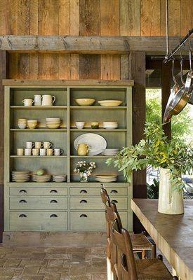 Door te kiezen voor een bepaalde woonstijl, heb je een richtlijn om aan vast te houden bij het inrichten van je interieur. Denk bij elke aankoop voor  thuis na of het binnen de gekozen stijl past. Zo creëer je een samenhangend interieur.