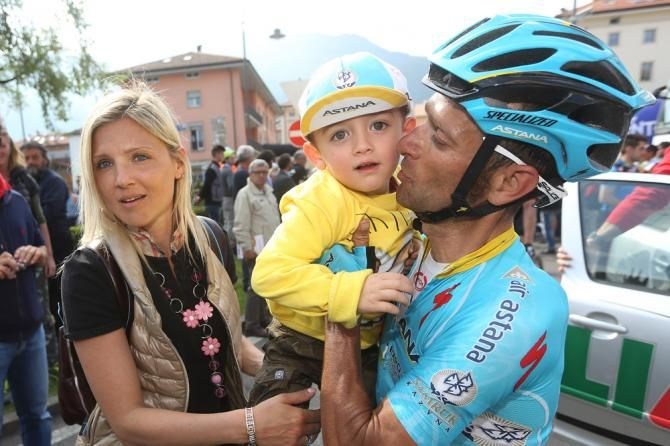 Michele Scarponi with his wife and one of his twin sons