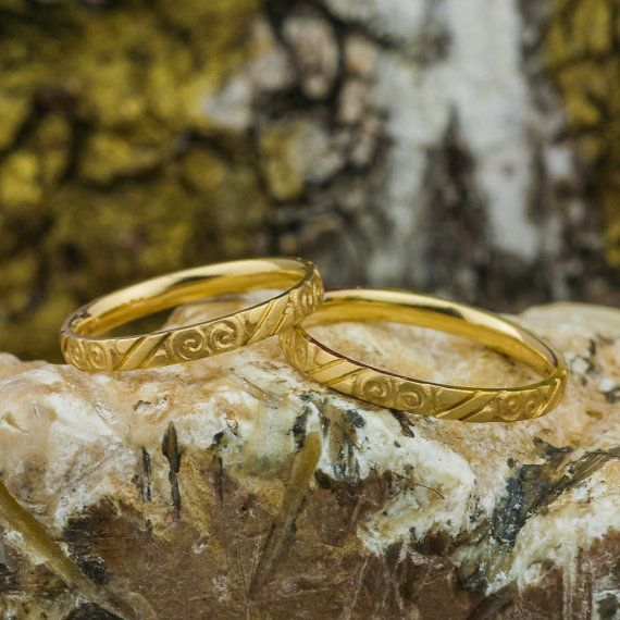 Wedding Rings in 14K Yellow Gold Ring with Carved Model, Gold Ring Band, Handmade Jewelry