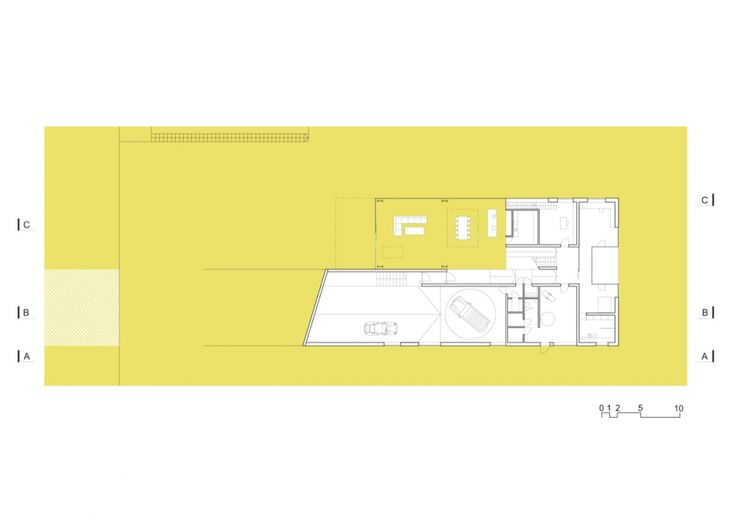 Autofamily House / KWK Promes