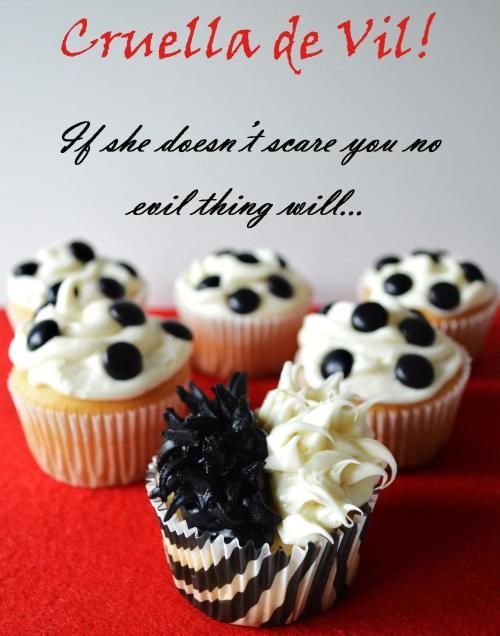 Don't you just LOVE these 101 Dalmations Disney-themed cupcakes?