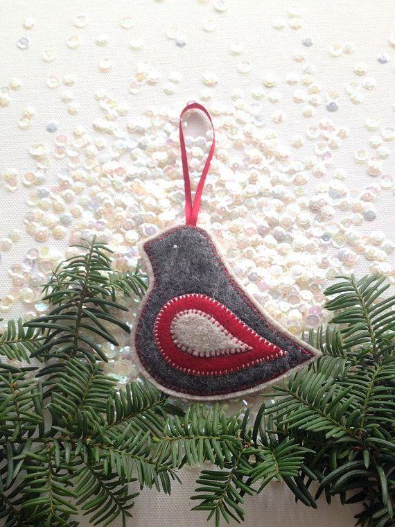 Ornement OISEAU en FEUTRINE - fabriqué à la main 100 % laine feutre - décor de Noël et vacances