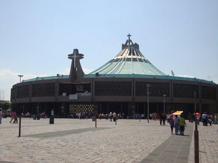 Basílica de Guadalupe, recorre esta insignia religiosa... #Cd.DeMéxico