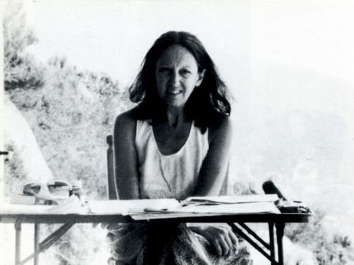 """""""Il destino imprevisto del mondo sta nel ricominciare il cammino per percorrerlo con la donna come soggetto."""" Carla Lonzi nasce a Firenze il 6 Marzo del 1931,è stata una scrittrice e critica d&#82…"""