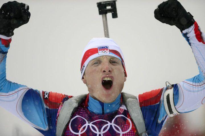 Soči 2014, biatlon hromadný start M: Ondřej Morvaec se raduje z bronzu