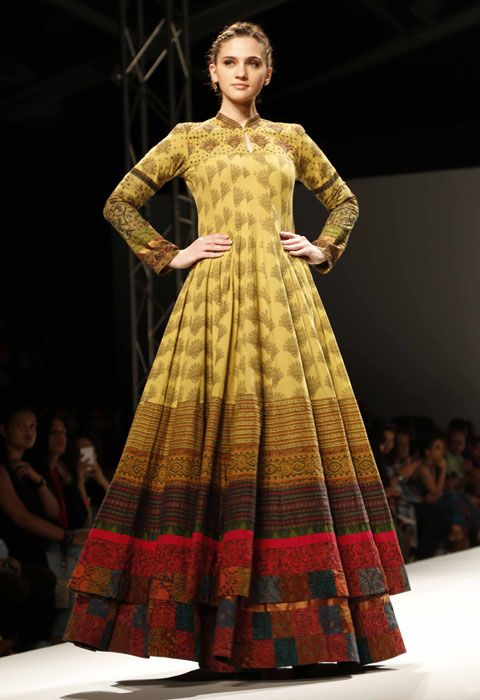Shalini James Show at AIFW SS'16