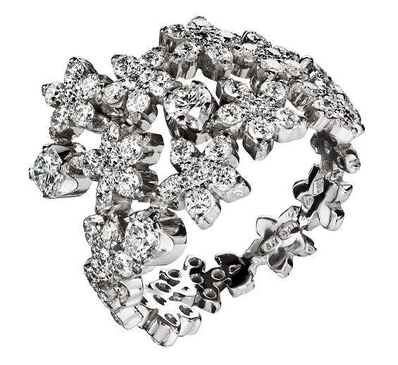 Oy Tillander Ab Vuoden kaunein sormus 2013 finalisti: Amorinköynnös Diamond ring www.tillander.fi/ #tillander #diamond #ring #whitegold #wedding #engagement