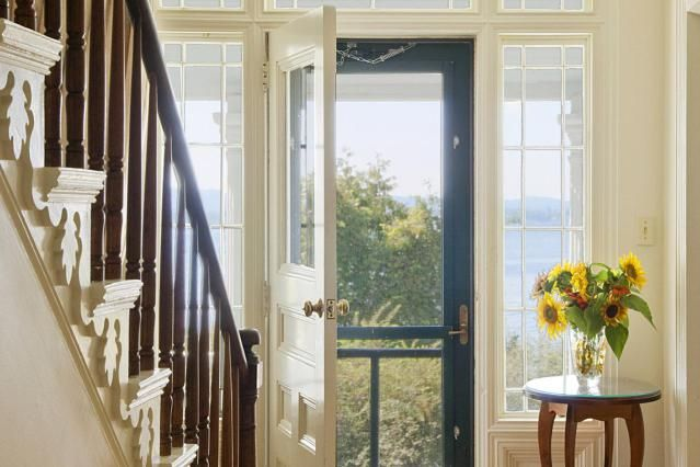 32 best images about feng shui on pinterest feng shui for Feng shui bedroom door facing stairs