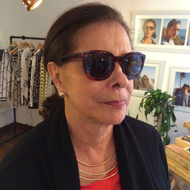 Cool #grandma just left #8424estudio with @mrbohocolombia #shades and @ayshabilgrami #jewellery.  #visitas8424 #8424estudio