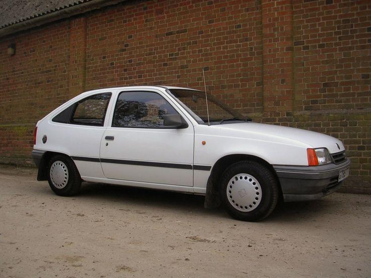 1992 Vauxhall Astra Mk II Merit 3-door Hatchback