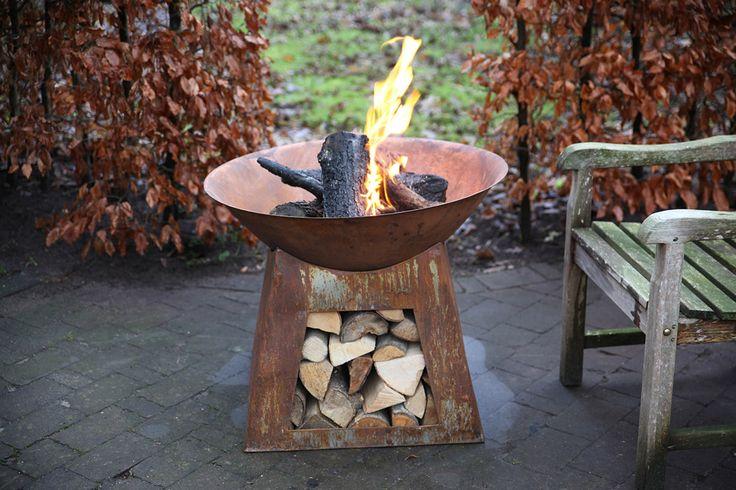 Esschert Design FF169 Firebowl + woodstorage S