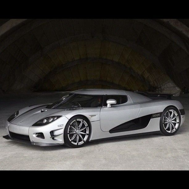 2010 Koenigsegg CCXR Trevita   Made Of White Carbon Fiber. How Do They Make  It White? Itu0027s Dyed With Diamonds. Only Three Will Ever Be Made (hence The  Name ...