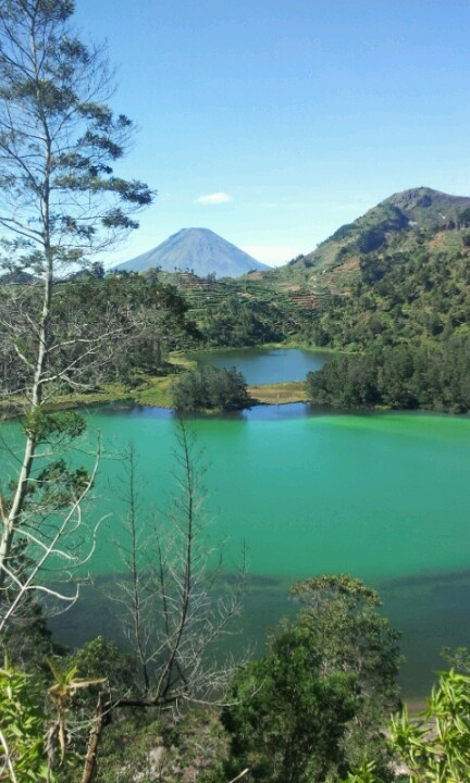 Color lake @dieng, indonesia