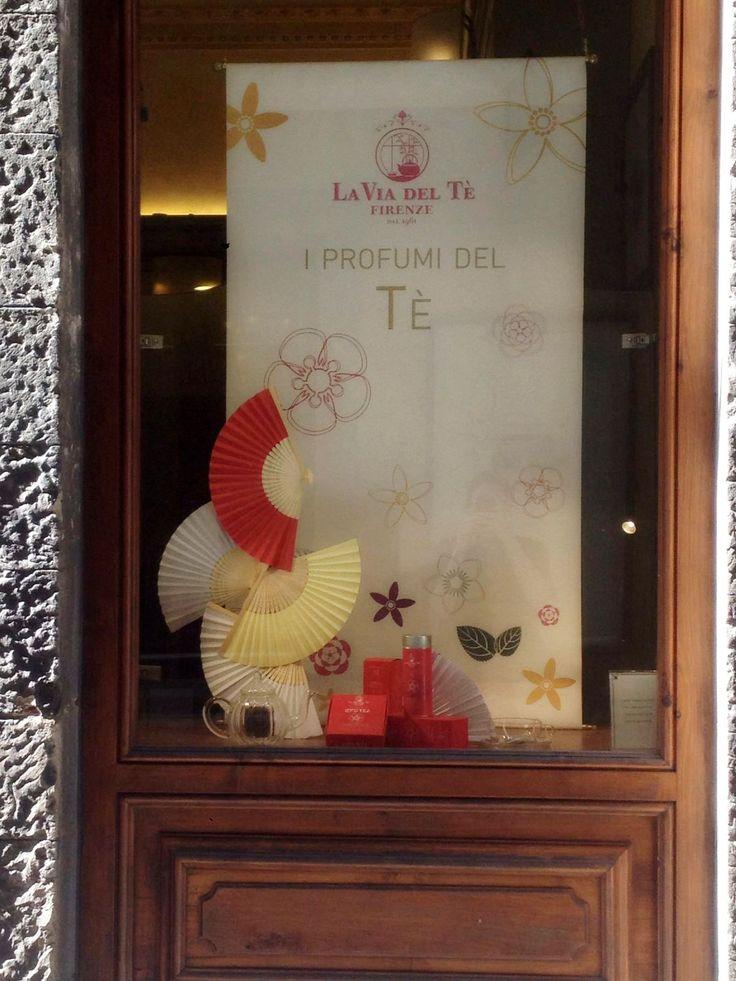 La Via del tè 3, Summer shop window