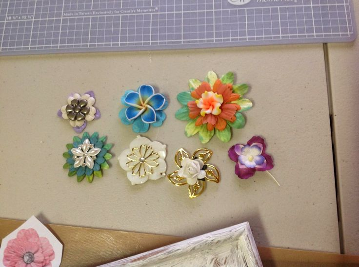 Making up some flowers for my next project...