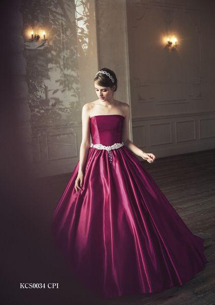 光沢のあるシングルカラーがノーブルな印象♡ クラシカルでエレガントなカラードレス一覧。ラグジュアリーな雰囲気を目指す花嫁さんの参考に☆