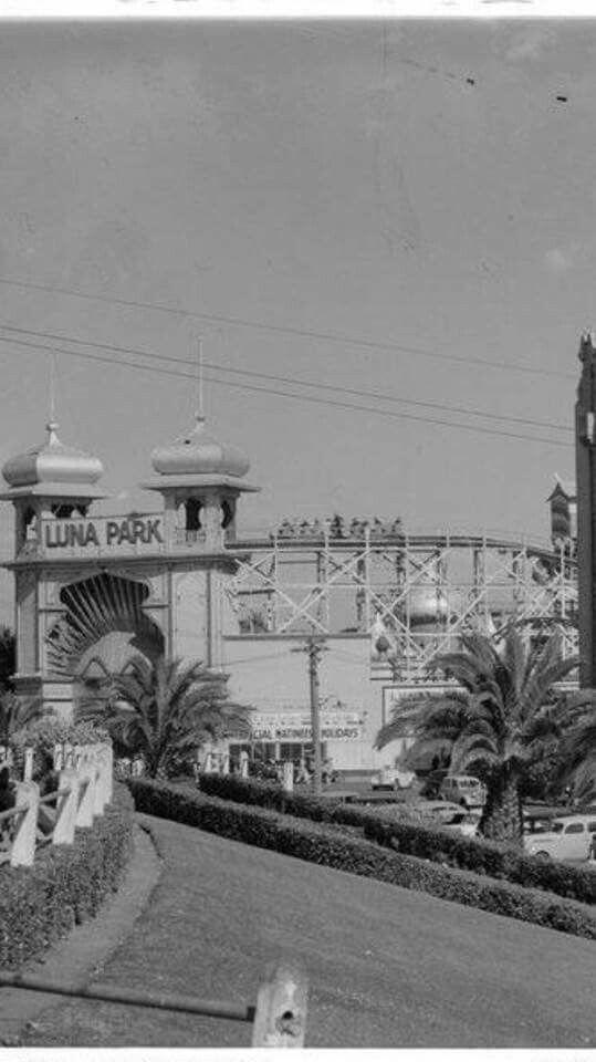 Luna Park at St Kilda,Victoria in the 1930s.