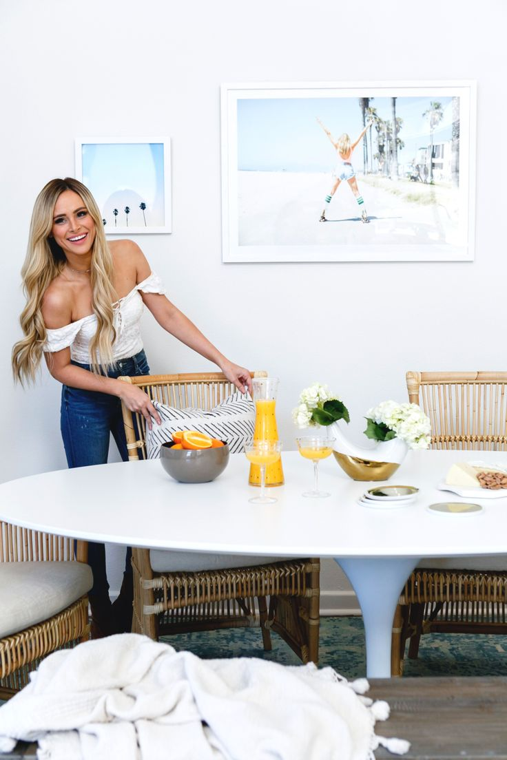 Bachelor alum, Amanda Stanton revamps her dining room! Photography : Monica Wang Read More on SMP: http://www.stylemepretty.com/living/2017/02/15/a-dining-room-revamp-for-former-bachelor-star-amanda-stanton/