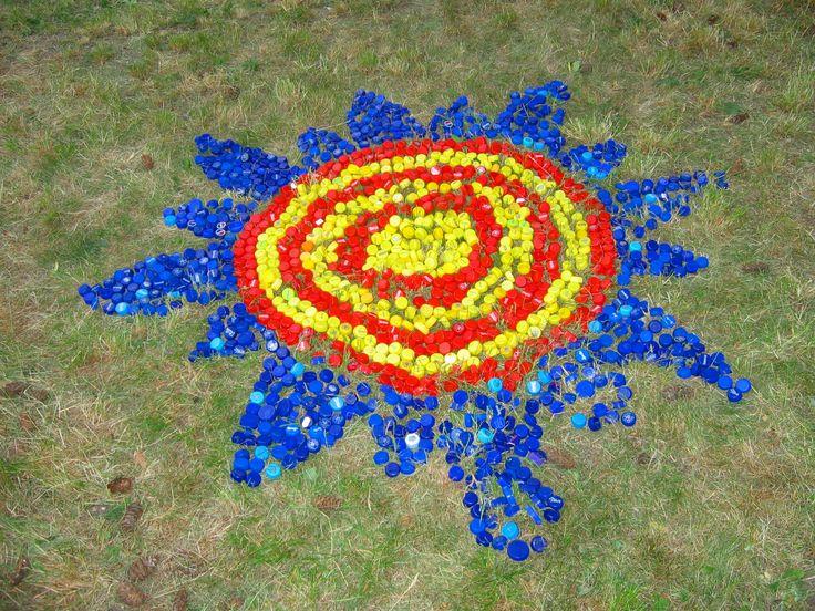 Mandala - z víček od pet lahví pet art