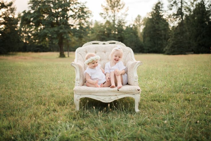 Hello Baby Brown: Summer sunset family photos. First birthday photos.  Great family photo ideas.