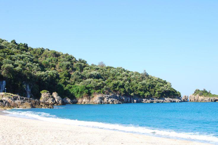 Epiros bietet nicht nur Wanderbegeisterten viel (zB Vikos Schlucht) sondern auch Strandurlaubern hier am Strand Karavostasi.