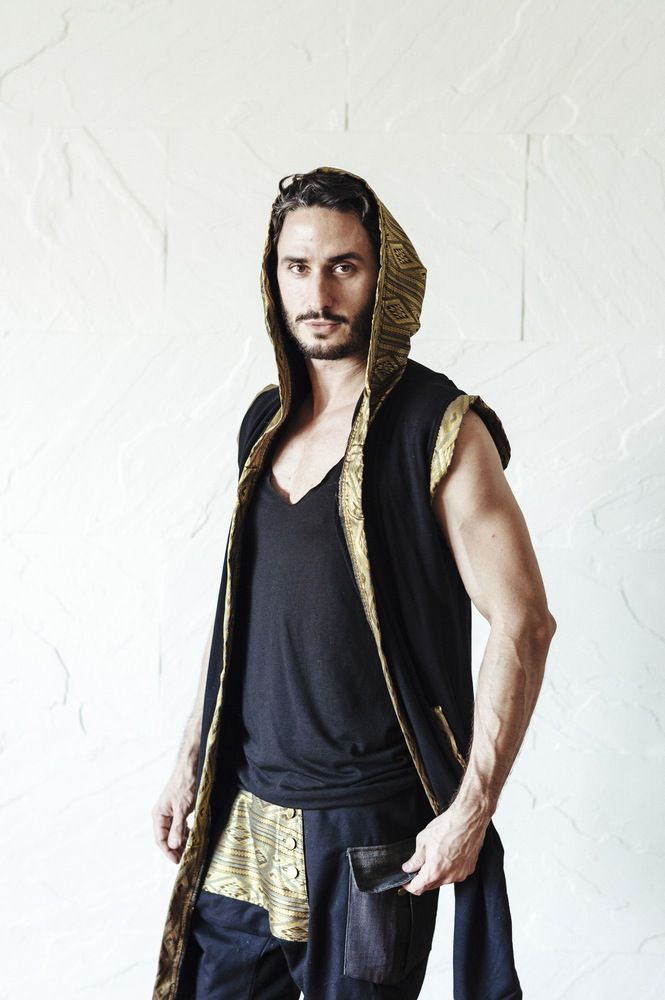 TAIKA Cape Royal Gold - Sleeveless cape hoodie with Silver and Gold details | VALO