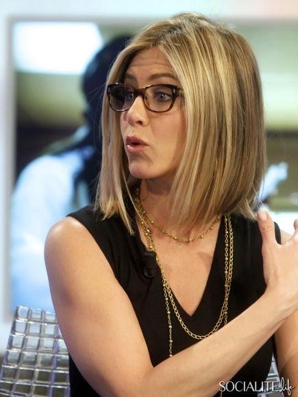 Jennifer Anistin Short hair