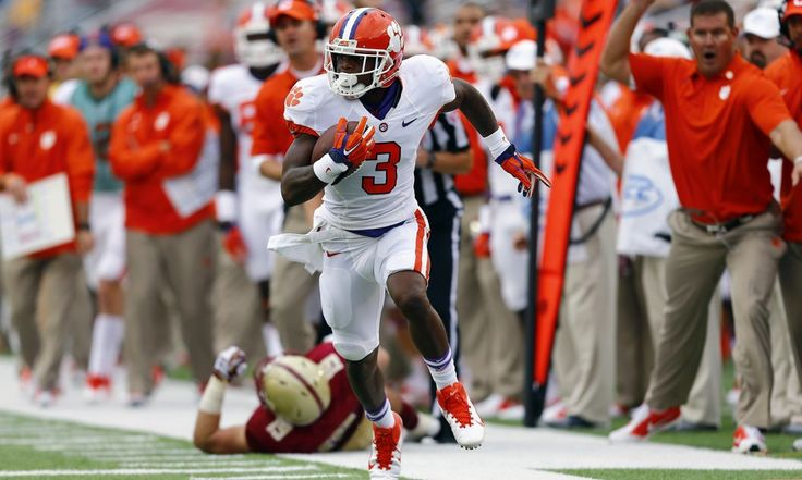 ACC Fantasy: Top 5 Returning WRs in 2015 - Today's U When the 2015 preseason All-ACC team was announced in July, it came as little surprise that Pittsburgh's Tyler Boyd and Clemson's Mike Williams and Artavis Scott filled the wide receiver slots. In fact, Boyd, Williams and Scott were by far the three-highest vote-getters, with North Carolina's Ryan Switzer coming in a distant fourth.....