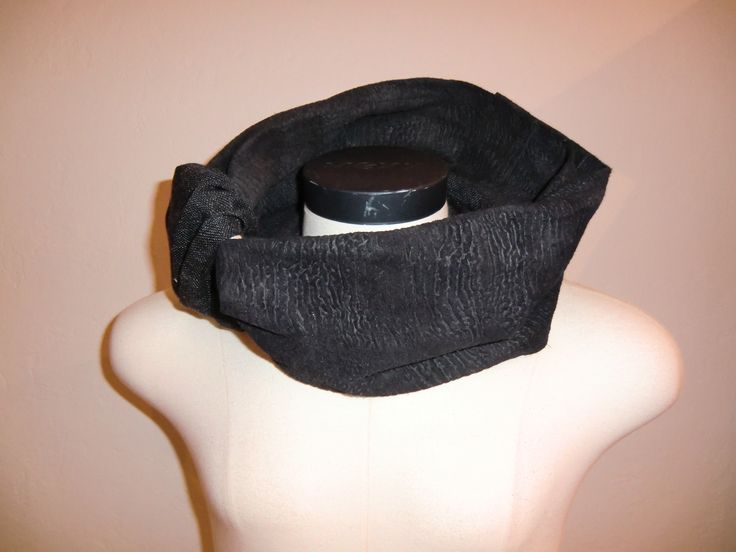 New type of men's scarf designed to enhance simplicity, stay functional and still have a very stylish design. Style name: Inifinity  (2nd way of wearing)