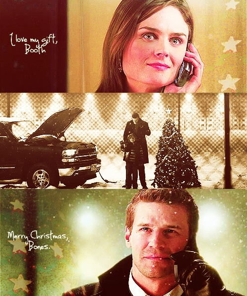 "Booth and Brennan at Christmas (Bones Season 3 - Episode 10 'The Santa in the Slush') MY FAVORITE- how do you tell someone, ""I love you"" ♡♡♡♡"