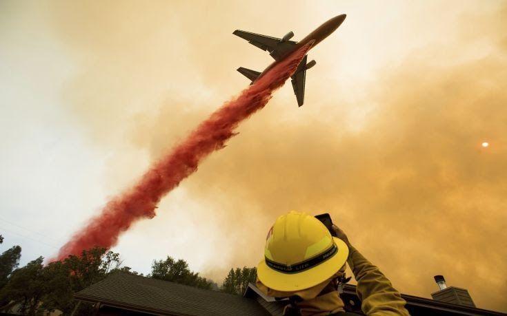 Επεκτείνεται η φωτιά στην Καλιφόρνια