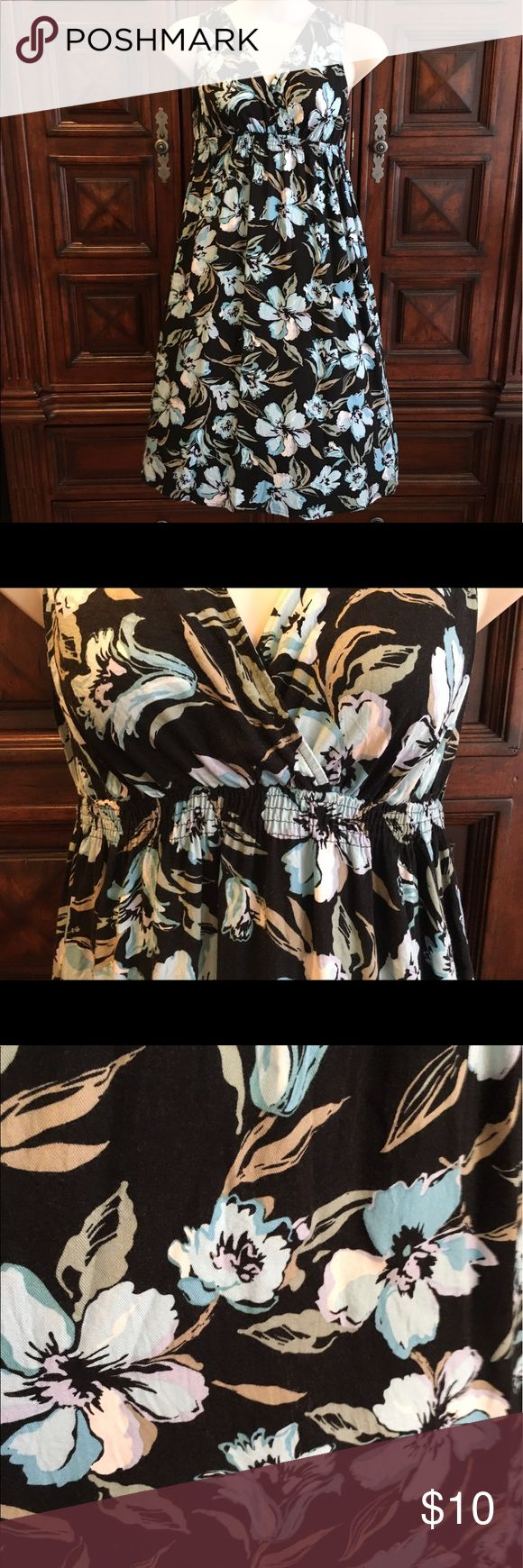 Hawaiian print dress Incredibly cute on! Got plenty of compliments when I wore this. Super comfy. It's a large but will fit 14/16 dress size. croft & barrow Dresses Asymmetrical