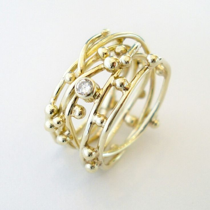 """Threads of life"" ring with a diamond. www.hoogenboombogers.com"