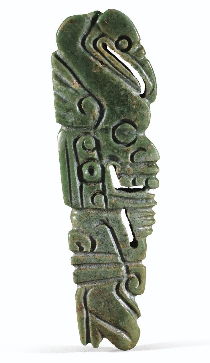 PENDENTIF ANTHROPOMORPHE SURMONTÉ D'UN OISEAU   CULTURE MAYA  MEXIQUE  CLASSIQUE, 600-900 APR. J.-C.  MAYA JADEPENDANT, MEXICO