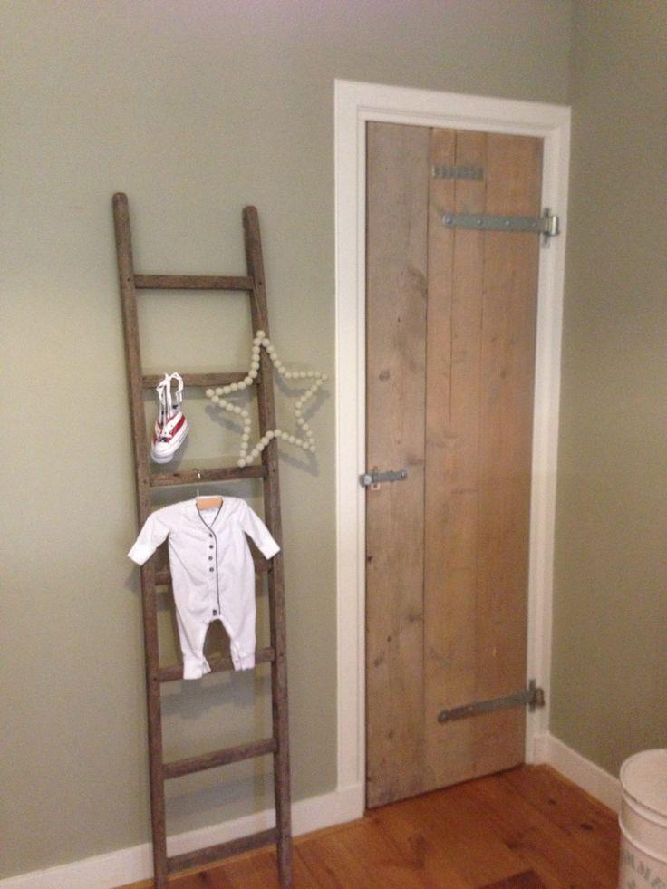 Deur van de inloopkast gemaakt van steigerhout deuren dakkapel pinterest met van and - Idee van decoratie voor kamer ...