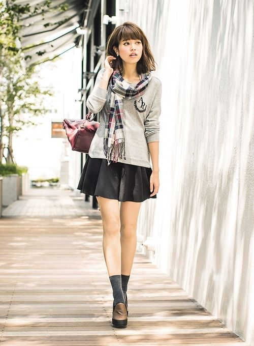 Casual day 2: scoop neck sweater × A-line culottes