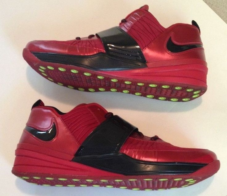 NIKE ZOOM REVIS RED OCTOBER Size 13 RED BLACK BRED 555776-600 FLYKNIT BIG APPLE #Nike #AthleticSneakers