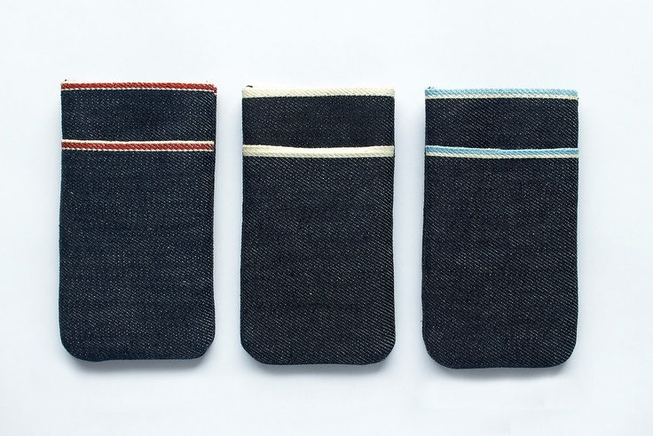 selvedge iPhone sleeve Sleeve for iPhone4 made from Japanese Kaihara selvedge denim. Lined with felt to protect your phone from scratches. The small pocket can be used to carry a credit card or business card. Available with a red, white or light blue selvedge. From my P3928 selvedge series.
