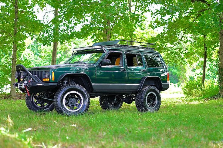 1-tons and XJs #BuiltForWhatever @_blue_jeep_ - https