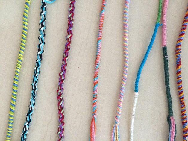 """Handgewickeltes Kinder Fraundschaftsarmband.  Dieses Armbänder wurden von unserer Tochter gemacht um sich Ihren großen Traum """"eine Harfe"""" zu erfüllen.  Sie kaufen hier nur ein Armband einfach..."""