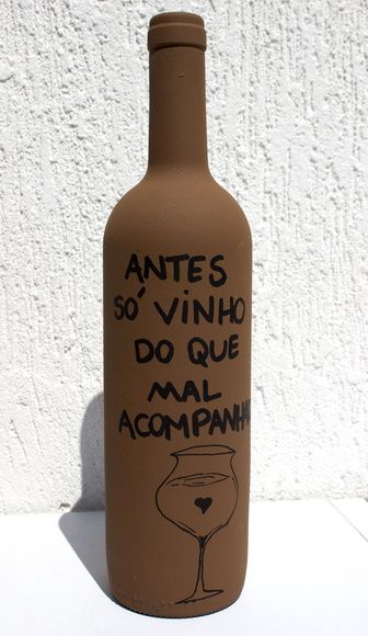 Garrafa Decorada - Vinho                                                                                                                                                                                 Mais