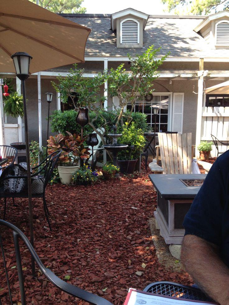 Backyard Patio Restaurant | Hilton head island, Places ...