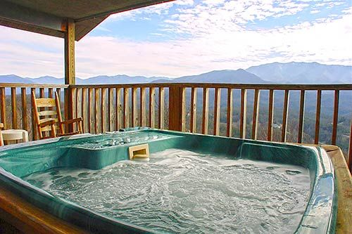 77 best gatlinburg cabins chalets and condos with hot tub for Gatlinburg cabins with hot tub
