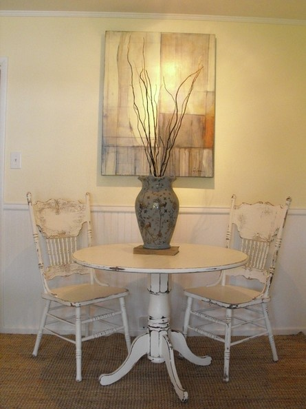 plain n simple white. LOVE the table especially!