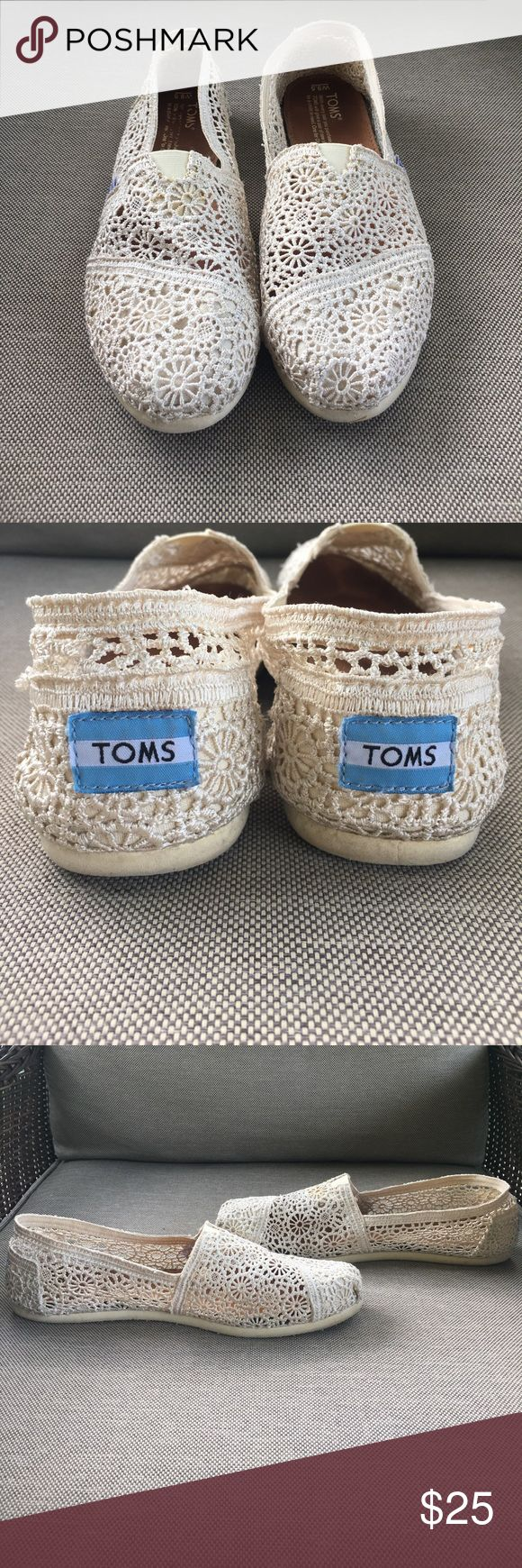 Cream lace Toms, size 9 1/2 These laced Toms are in great shape and are just as comfortable! Toms Shoes Flats & Loafers