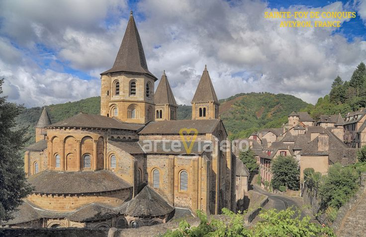 Abbatiale Sainte-Foy de Conques, Aveyron, France #románico