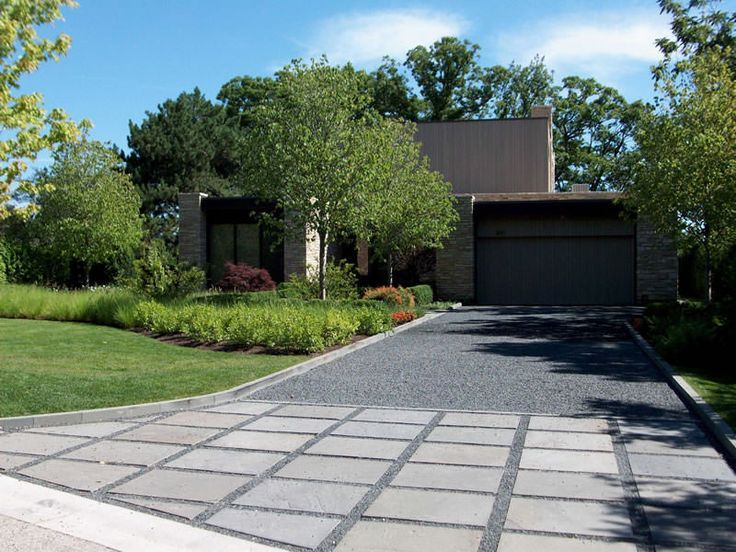 Bluestone Chip Gravel Driveway With Bluestone Apron