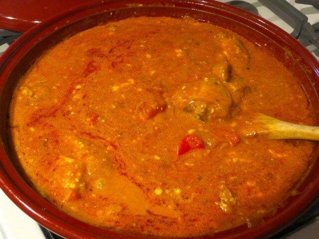Recept na tento pokrm si moje babička donesla z Maďarska. Kuřecí paprikáš zavoní po celém bytě