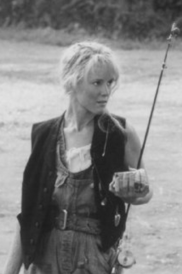 Mary Stuart Masterson as Tawanda! The amazing amazon woman, better known as Idgie Threadgoode in Fried Green Tomatoes. A great character & performance.